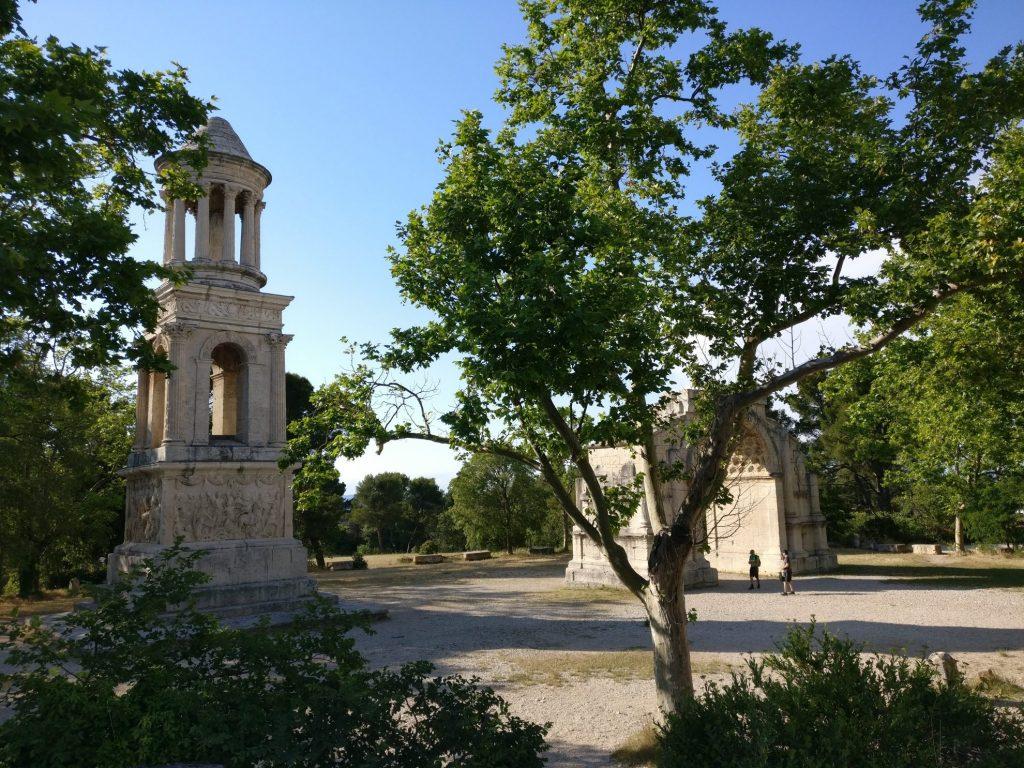 De leukste dorpen en stadjes in Les Alpilles Provence   Saint-Remy-de-Provence   Glanum