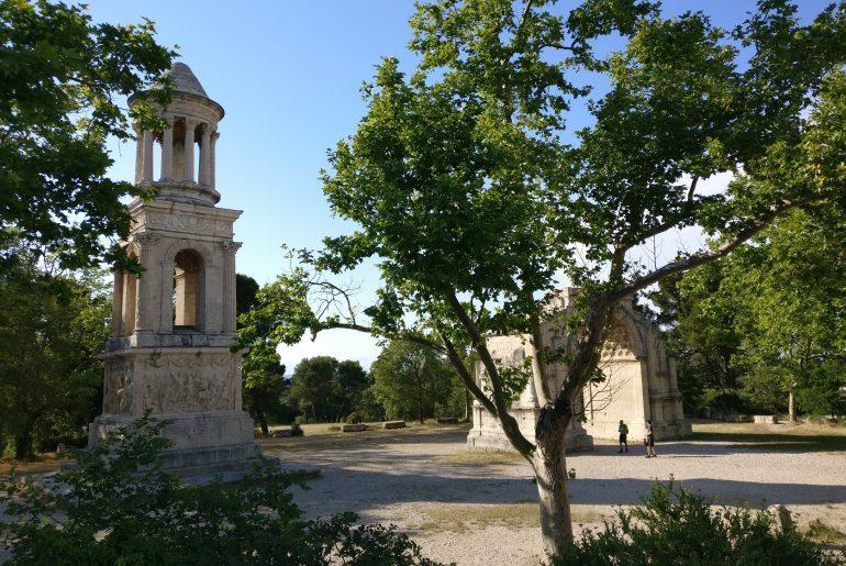 De leukste dorpen en stadjes in Les Alpilles Provence | Saint-Remy-de-Provence | Glanum
