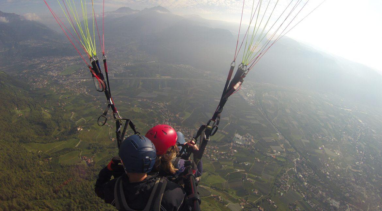 Het beste van 2020 in 5 reisverhalen   Paragliden van de Vigiljoch
