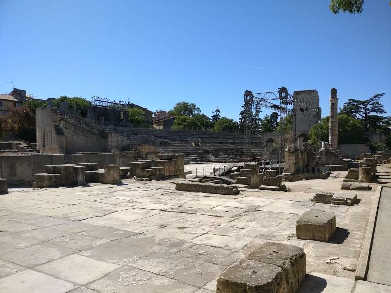 Cultuur snuiven in en om Saint-Rémy-de-Provence   Arles    Theater